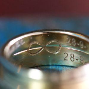 trouwringen goudsmid Best Eindhoven bicolor oud goud nieuw goud recycled diamant Son Breugel Sint Oedenrode Oirschot infinity
